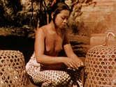 Saplak Njoman Nude